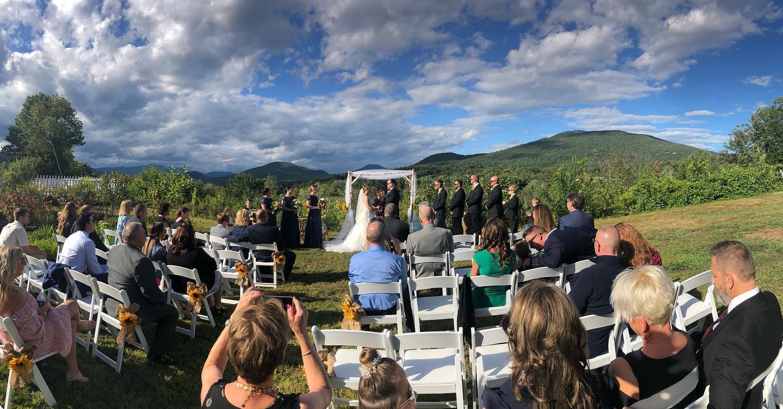 https://the1785inn.com/uploads/images/top_photo_700_195/wedding.jpg